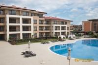 Апартаменти в нов жилищен комплекс в Свети Влас на втора линия